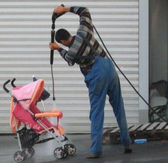 Профессиональная чистка коляски